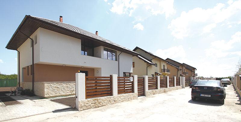 Casa de la Mogoșoaia - Vedere din aleea de acces (foto: Radu Malașincu)