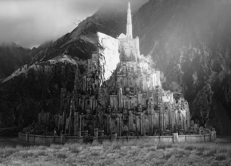 Minas Tirith_. Extras din seria cinematografică _The Lord Of The Rings. _Producție, Copyright: New Line Cinema, Wingnut Films, The Saul Zaentz Company