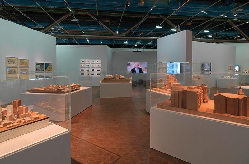 vue-de-salle-retrospective-Frank-Gehry-au-Centre-Pompidou-photo-de-Philippe-Migeat-Centre-Pompidou