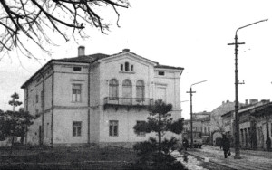 Fațada posterioară a farmaciei Gorghias-Semaca.