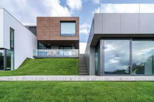Casa P, proiect 2007-2012; finalizare execuție 2012, arie construită desfășurată 694 mp