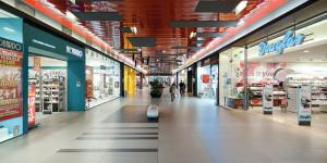 Lotus Mall, proiect 2007-2008, finalizare execuție 2008, arie construită desfășurată: 33.200 mp.;