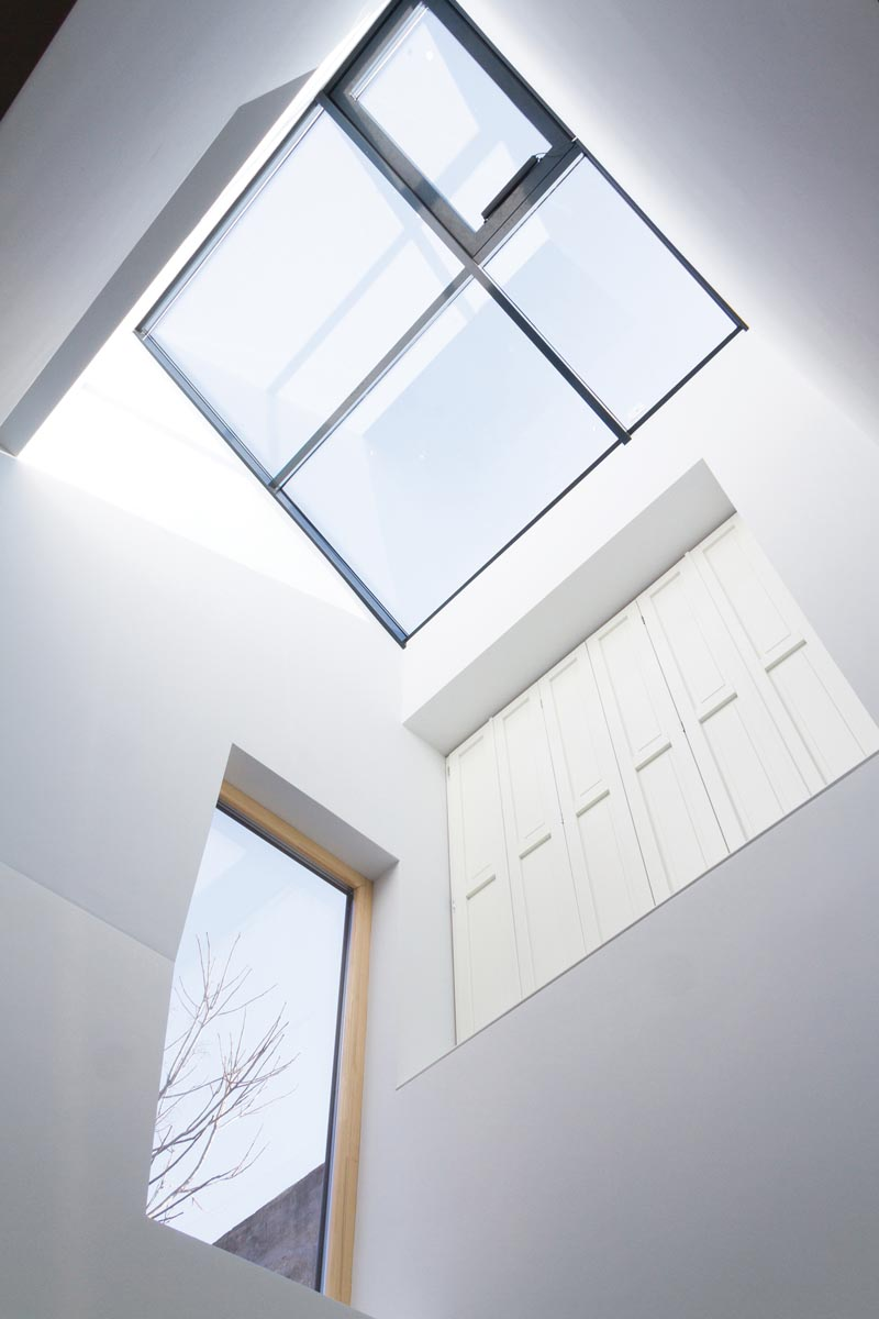 2_arhitecturi-in-crestere_ba_14-casa-j-skylights