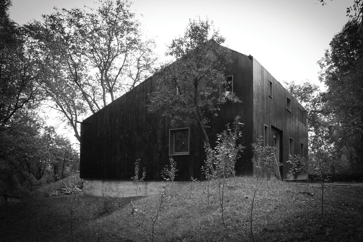 2_arhitecturi-in-crestere_ba_22-casa-neagra