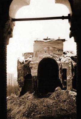 Demolarea bisericii mari de la Văcăreşti, decembrie 1986, vedere din foişorul paraclisului; foto N. Ionescu Ghinea