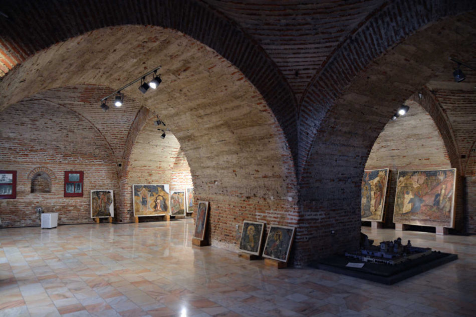 Beciul Palatului Mogoşoaia care adăposteşte fragmente de frescă de la Văcăreşti, vedere din 2018