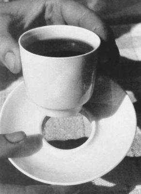 Marguerite Friedlander, ceașcă de cafea pentru avion