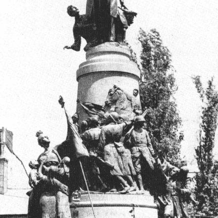 Monumentul dedicat lui Tache Ionescu, ridicat în 1931 și demolat în jurul anului 1960 /Sculptor: Ernest-Henri Dubois. Soclu