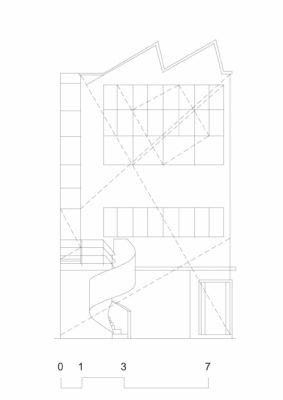 5 - Le Corbusier: Locuința și atelierul pictorului Amédée Ozenfant, Paris, 1923, fațada cu traseele regulatoare