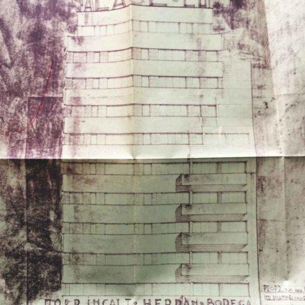 Fațada imobilului de colț, în proprietatea arhitectului Leon Stern şi proiectat de acesta.  Sursa: ARHIVELE NAȚIONALE, PMB TEHNIC 21187/1935