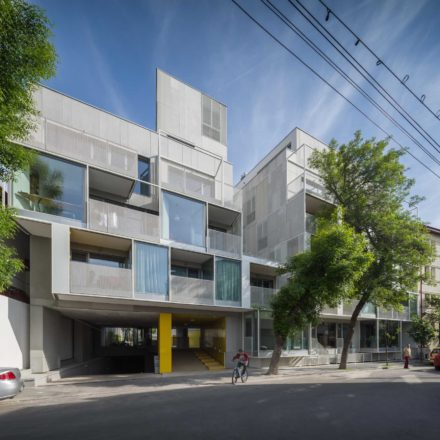 Imobil de apartamente pe strada Dogarilor, București, finalizat, 2011-2014.Shortlist (top 40) MiesEU Awards 2015, Milan Zlokovic Award for the Best Architectural Achievement in the Balkan Region, Belgrade 2015, câștigător Bienala de Arhitectură 2014, câștigător Anuala de Arhitectură București 2014, câștigător Trienala de Arhitectură East Centric 2016, finalist World of Architecture Festival 2015, câștigător Romanian Building Awards 2015