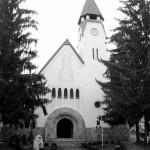 2 Biserica romano-catolică din Zebegeny: Piata Petofi, Zebegeny, Ungaria http://www.muvelodes.ro/index.php/Cikk?id=1267
