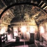 2 Interiorul bisericii și iconostasul - vedere din 2009