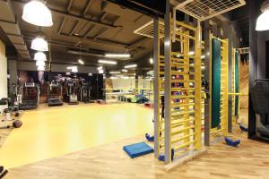 Zona sălii cu aparate pentru gimnastică medicală