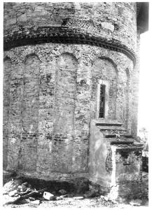 """Biserica """"Sf. Treime"""" Siret în timpul lucrărilor de restaurare, foto arh. Horia Teodoru, 1939."""