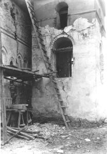 """Biserica """"Sf. Ioan Botezătorul"""" (Coconilor), Suceava în timpul lucrărilor de restaurare, foto arh. Horia Teodoru, 1937"""