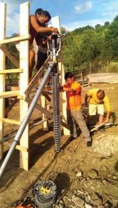 Montarea primului șurub metalic
