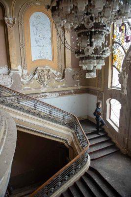Interior Cazino Constanta. Photo credit Serban Mestecaneanu.