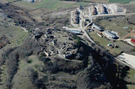 Fig 6: Reamplasarea satului Chiavano (Cascia) după cutremurul din 1979 /  The re-location of the village of Chiavano (Cascia) after the 1979 earthquake