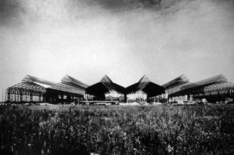 Fabrica de țevi, în construcție