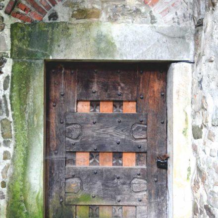 Mănăstirea Secu, ușă turn