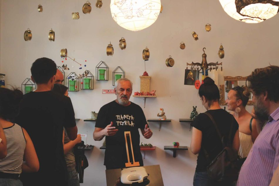 Ion Barbu is leading the tour The Fabulous Petrila which makes its final stop at the Romanian Plumber Museum in Petroşani. The museum ensemble of the artist in Petrila is the most visited cultural objective in Jiu Valley. Photo credit: Mihai Danciu