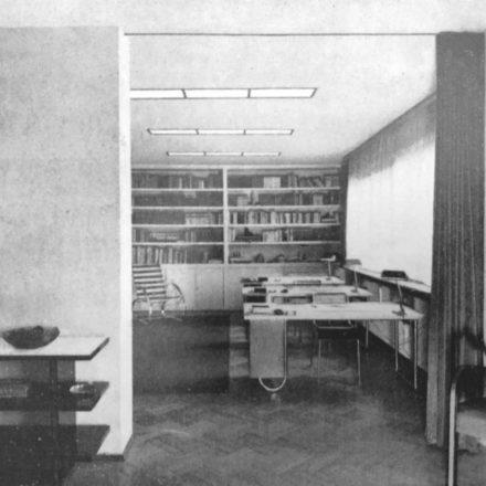 Fig. 9 - Fotografii interior 1936 (Viviendas, 5:45, martie 1936, p.74-77, în Gerardo Brown-Manrique, Rudolf Fränkel and Neues Bauen. Work in Germany, Romania and the United Kingdom,  Wasmuth, 2009, p. 48, 114)