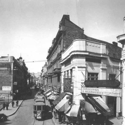 Galeriile Blanduziei. Vizavi, Cinematograful Lux fusese demolat pentru a face loc viitorului imobil modernist Adriatica, înainte de 1935. Sursa foto: bucurestiivechisinoi.ro