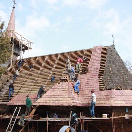 Ambulanța Monumentelor - Membri ai unei comunități locale salvându-și propriul patrimoniu. Biserica de lemn din Breb, comuna Ocna Șugatag, județul Maramureș