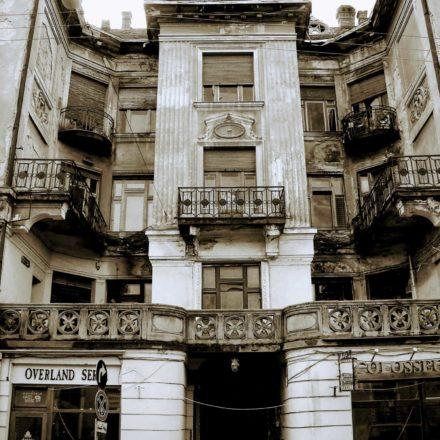 Palatul Sonnenfeld, 1911-1912, arhitect Frigyes Spiegel, antreprenor Lajos Incze, Strada Moscovei, nr. 8; detaliu rezalit central fațadă