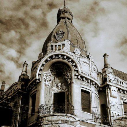 Palatul Moskovits I (Miksa Moskovits), 1905, arhitect Kálmán Rimanóczy Jr., strada Parcul Traian, nr. 2, colț cu Strada Republicii; detaliu turn de colț