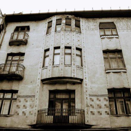 Palatul Moskovits I (Miksa Moskovits), 1905, arhitect Kálmán Rimanóczy Jr., strada Parcul Traian, nr. 2, colț cu Strada Republicii; detaliu fațadă