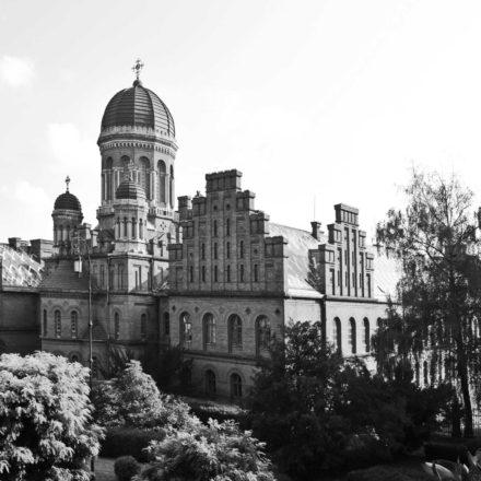 Palatul Mitropoliei Bucovinei și Dalmației din Cernăuți, astăzi în Ucraina, (1864-1882), arh. Josef Hlávka