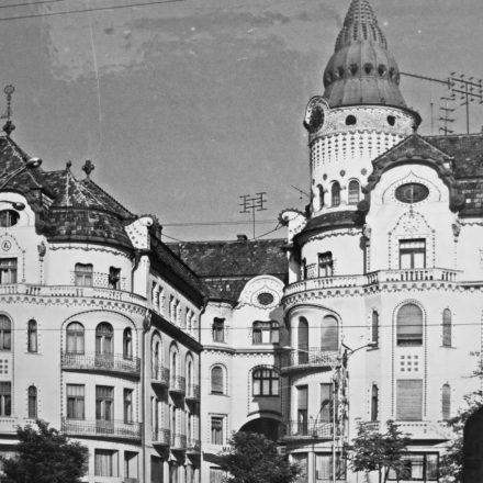 Complexul Vulturul Negru din Oradea, 1908, arh. Jakab Dezső şi Marcell Komor